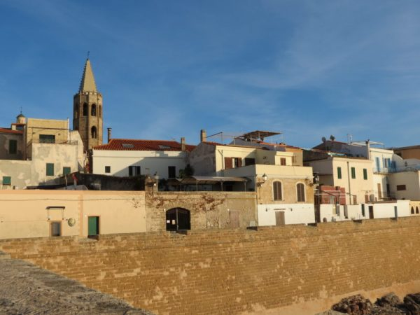 tours alghero, excursions alghero, what to do, alghero best excursions, alghero must do, acomnapnying tour, alghero walking tour